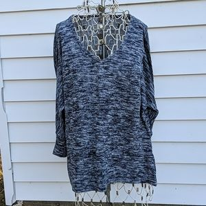 Old Navy soft lightweight sweater black and white